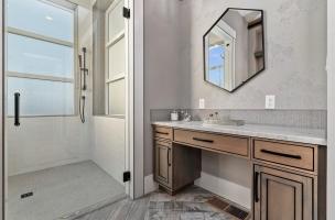 032-Master-Bathroom