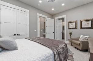 047-Bedroom