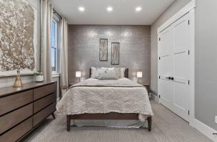 048-Bedroom